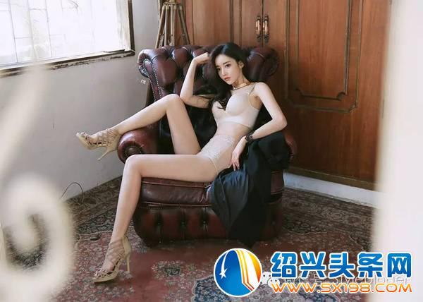 韩国美女孙允珠性感自拍素材-腿艺术摄影ps照片