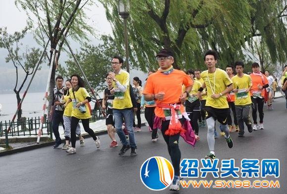 今天10点 2017杭州马拉松报名启动