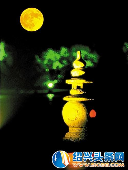 今年中秋,十五的月亮十七圆 中国的更比国外圆