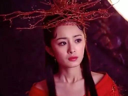 """古装剧中""""流苏髻""""装扮,赵丽颖甜美可爱,她最清丽脱俗!"""