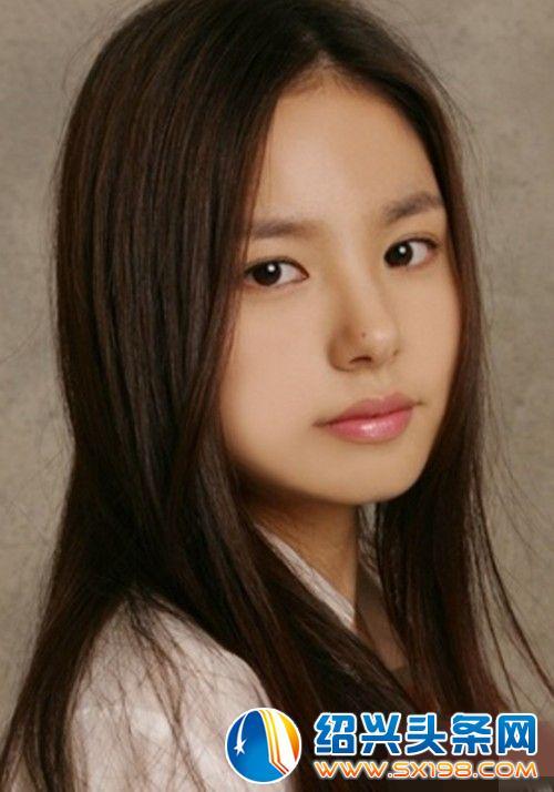 被评为整容鼻形范本的韩国女星