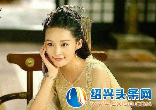 女星古装戴手链造型:赵丽颖唯美李沁娇俏朱茵迷人