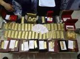 用8箱子藏钱的书记再上头条:曾有人扛几十斤钱送他